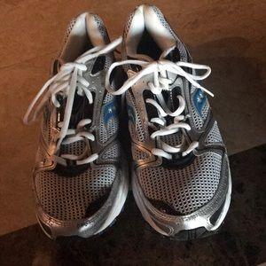 Men's New Saucony Size 11 Shoes